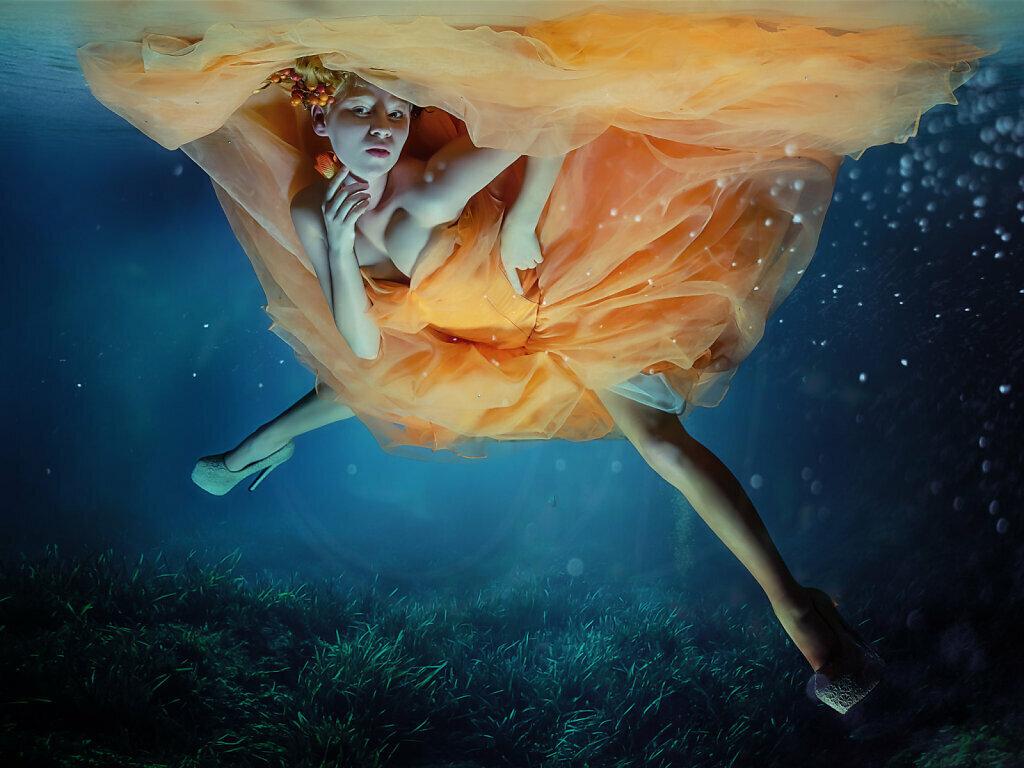 Floating Orange Crush